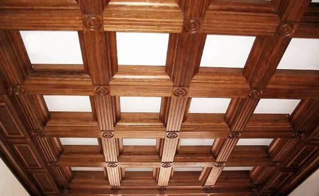 Как сделать потолок в деревянном доме своими руками – отделка, ремонт