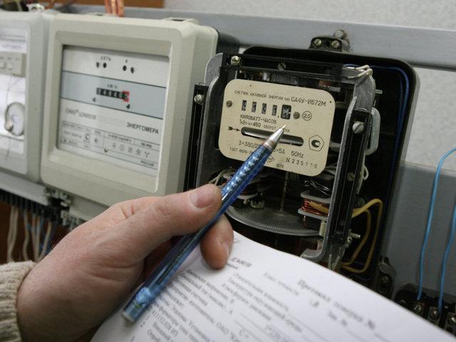 Показания счетчика электроэнергии: как считать, почему много мотает, может ли показывать больше