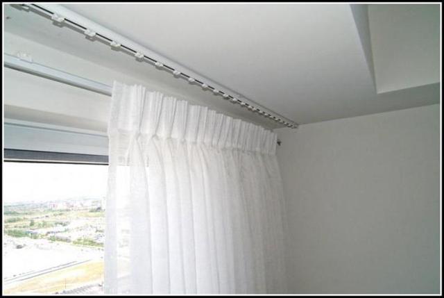 Как правильно повесить карниз для штор, на каком расстоянии от потолка?