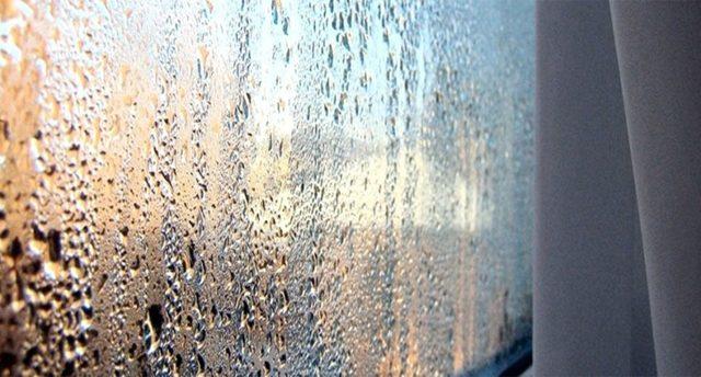 Конденсат на пластиковых окнах со стороны комнаты: как избавиться, причины, почему образуется?