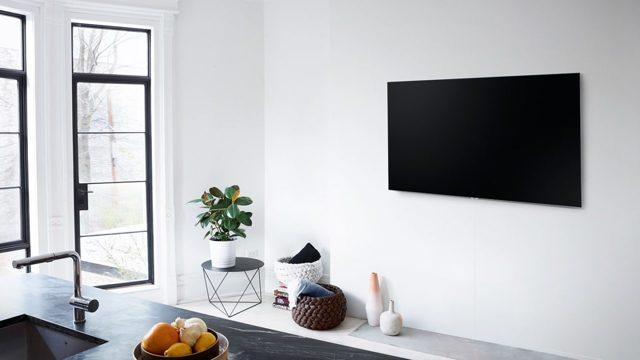 как спрятать провода от телевизора на стене
