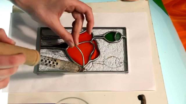 Как сделать витражи на стекле своими руками в домашних условиях?