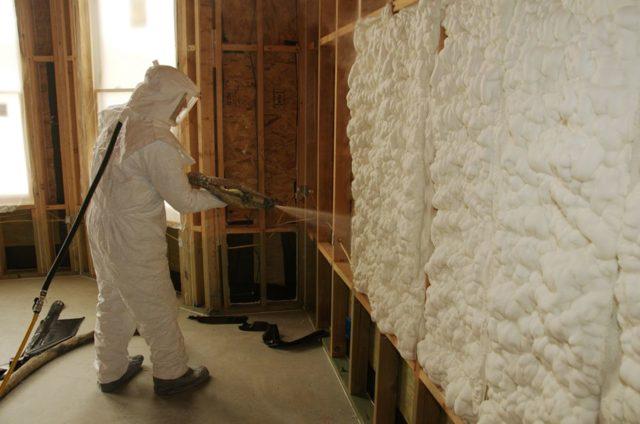 Как выбрать монтажную пену для утепления стен дома: ГОСТ, технические характеристики, виды