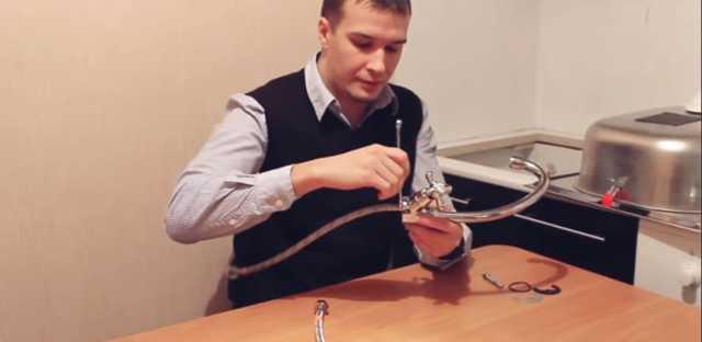 Установка и подключение смесителя на кухне: как поставить кран на раковину