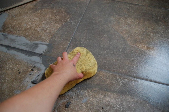 Как правильно делать затирку швов плитки