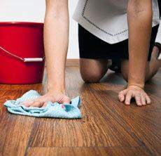 Как правильно мыть ламинат без разводов, какие средства использовать?