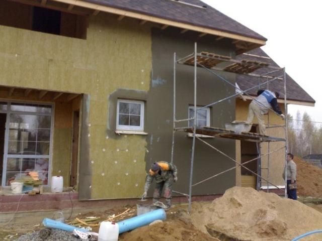 Как правильно оштукатурить деревянный дом: советы профессионалов