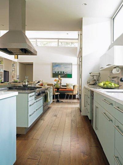 Ламинат для кухни и прихожей: плюсы и минусы, какой выбрать?