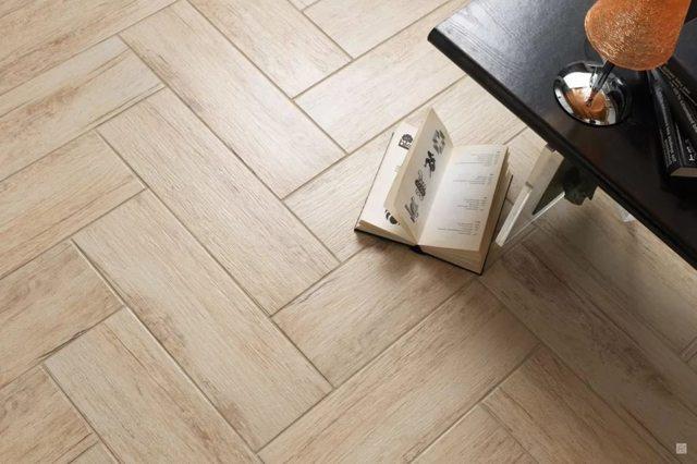 Плитка для пола в коридор: особенности выбора, укладки, преимущества и недостатки покрытия