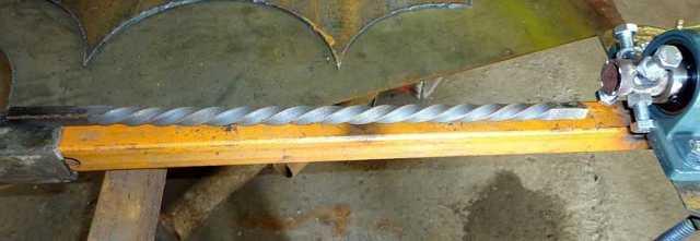 Холодная художественная ковка изделий из металла своими руками: инструменты и приспособления