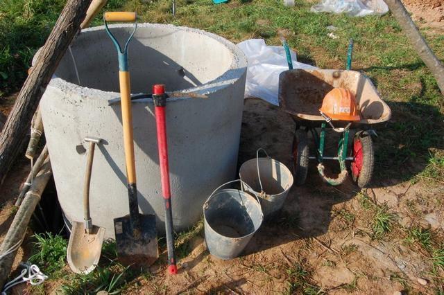 Как выкопать и сделать колодец своими руками?