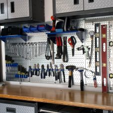 Стеллажи для гаража и инструментов своими руками