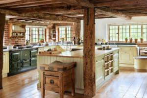 Деревянные полы в квартире, частном доме: плюсы и минусы, как сделать своими руками