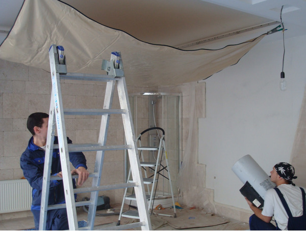 Монтаж натяжного потолка своими руками: как сделать, устанавливаем самостоятельно