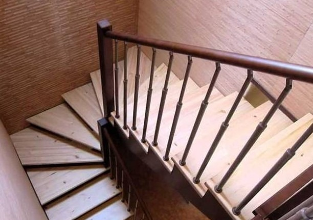 Лестница на второй этаж в частном доме: как сделать своими руками, пошаговая инструкция, сборка