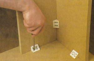 Как правильно прикрепить полку к стене своими руками