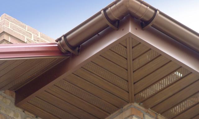 Подшивка свесов крыши своими руками