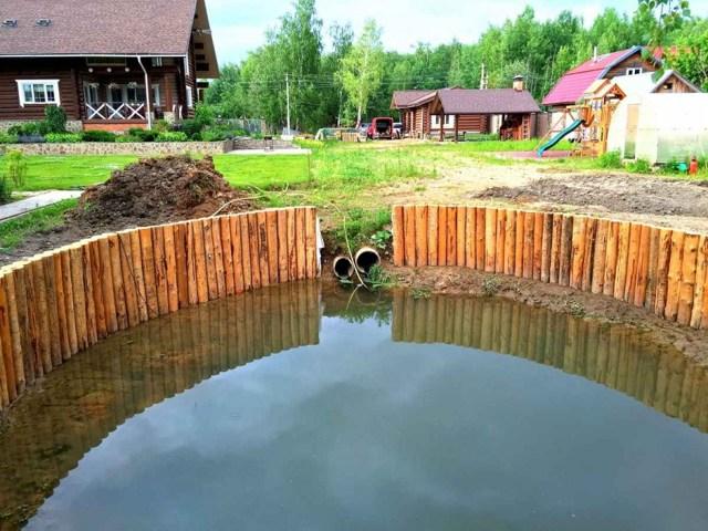 Как осушить участок от воды своими руками?