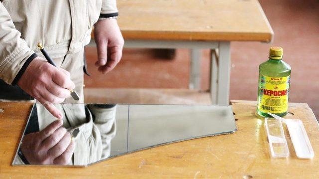 Как правильно резать стекло в домашних условиях со стеклорезом и без