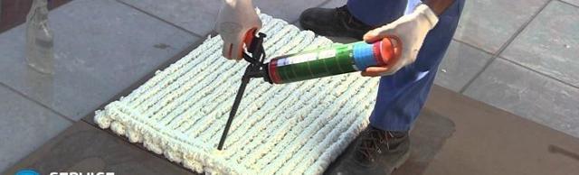 Как очистить монтажную пену с одежды, чем оттереть?