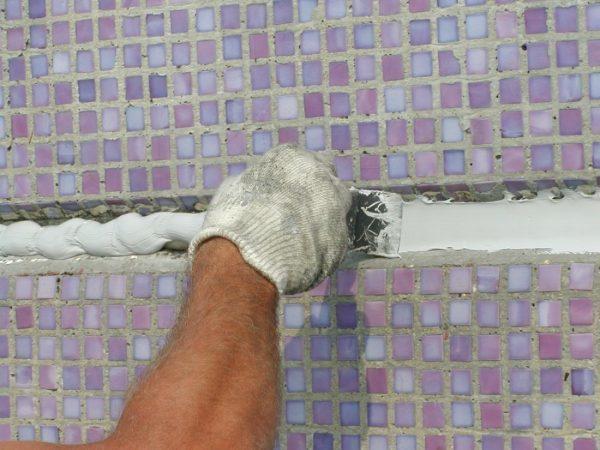 Заделка и герметизация межпанельных швов в панельных домах