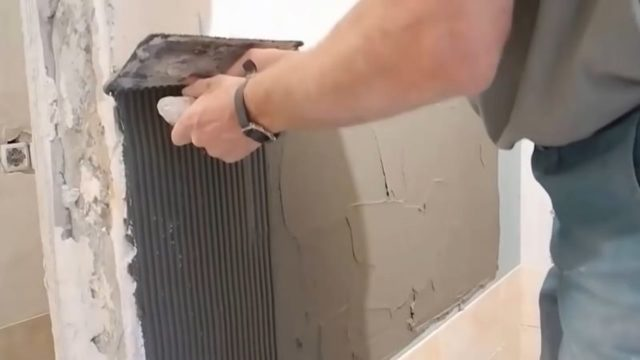 Как приклеить плитку на гипсокартон?