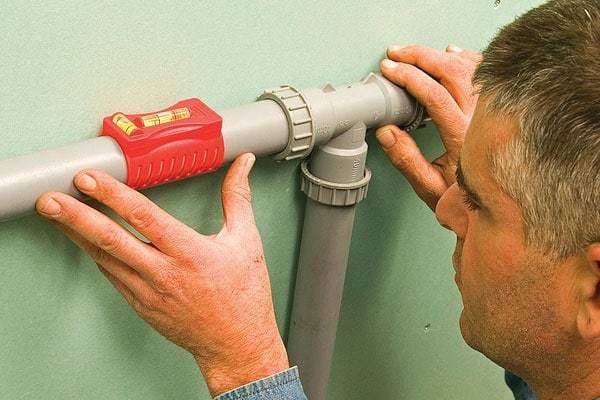 Водяной уровень (строительный гидроуровень): как пользоваться?