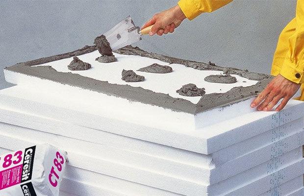 Как приклеить пенопласт к стене – клеим наверняка