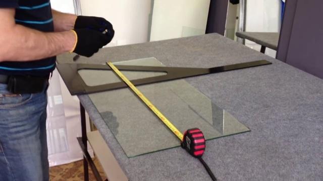Как отрезать каленое стекло в домашних условиях?
