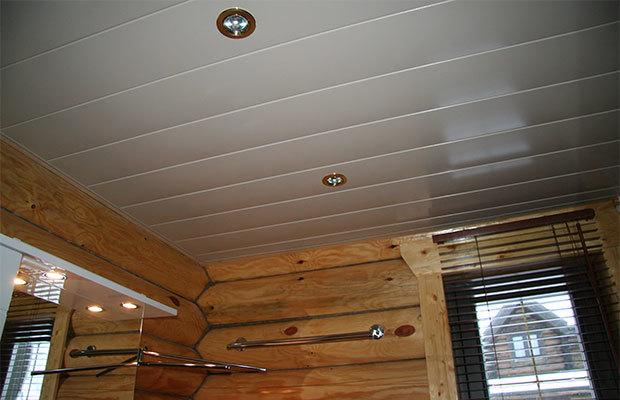 Как крепить пластиковые панели к потолку – практичная отделка