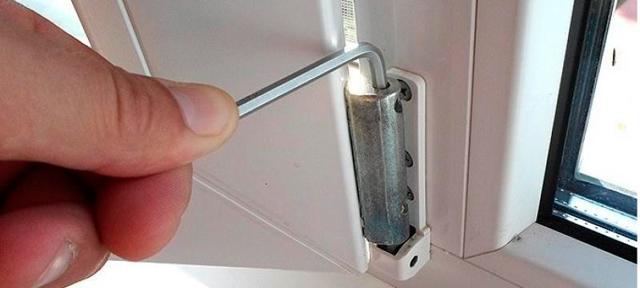Регулировка пластиковых окон и дверей – проводим настройку перед зимним сезоном