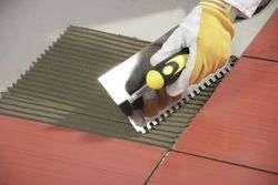Толщина слоя клея для плитки на пол, на стену, для керамогранита