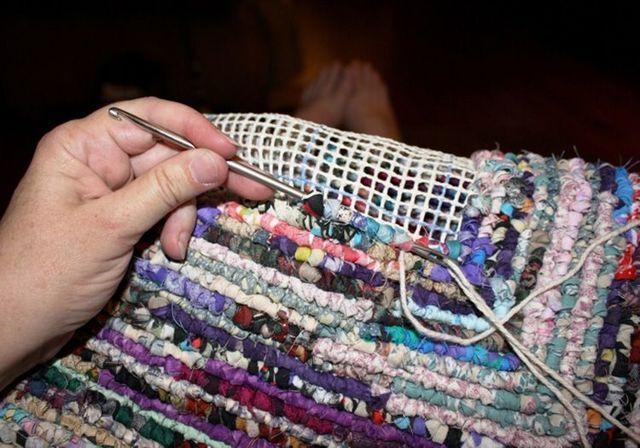 Половики (коврики) своими руками из старых вещей