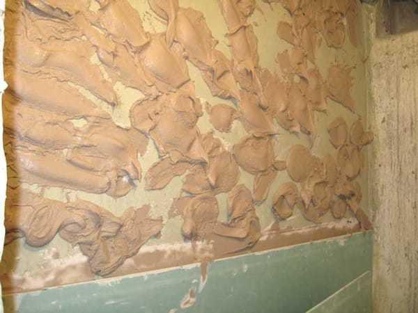 Выравнивание стен гипсокартоном своими руками с каркасом и без