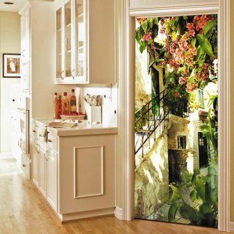 Как правильно обклеить дверь самоклеющейся пленкой?