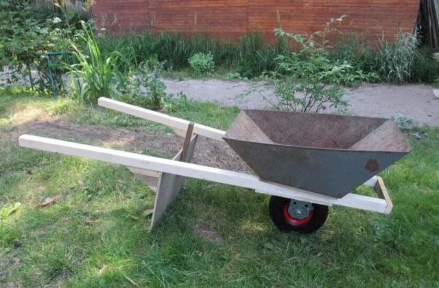 Как сделать своими руками садовую тачку (тележку) для перевозки грузов по чертежам