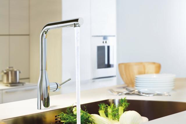 Как поменять кран на кухне – замена смесителя своими руками