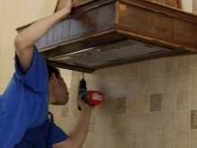 Самые действенные способы по очистке кухонной вытяжки от жирового налета