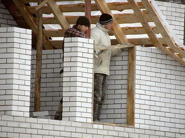 Как построить дом своими руками дешево и красиво, какие материалы выбрать