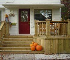 Как сделать крыльцо в частном доме (на даче) из дерева с навесом своими руками