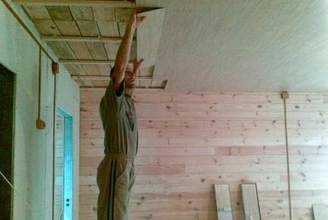 Ламинат на потолок: как крепить, современные и рациональные решения