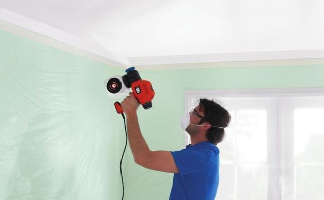 Как и чем покрасить потолок в комнате своими руками
