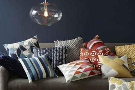 Интерьерные декоративные подушки думки для дивана своими руками