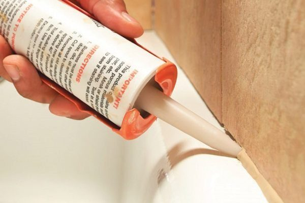 Заделка швов между плитками (стыков) в ванной: современные методы герметизации, как сделать?