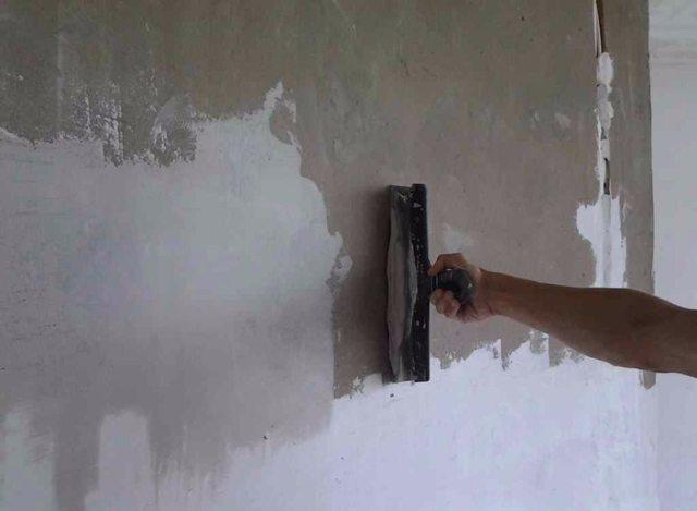 Грунтовка стен перед поклейкой обоев: нужно ли проводить после шпаклевки?
