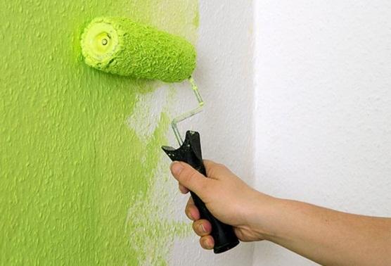Можно ли красить флизелиновые, жидкие обои, есть ли специальная краска?