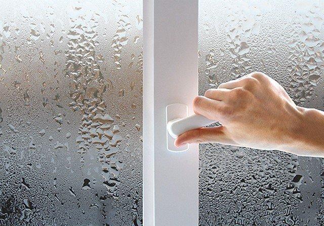 Конденсат на пластиковых окнах – как устранить проблему?
