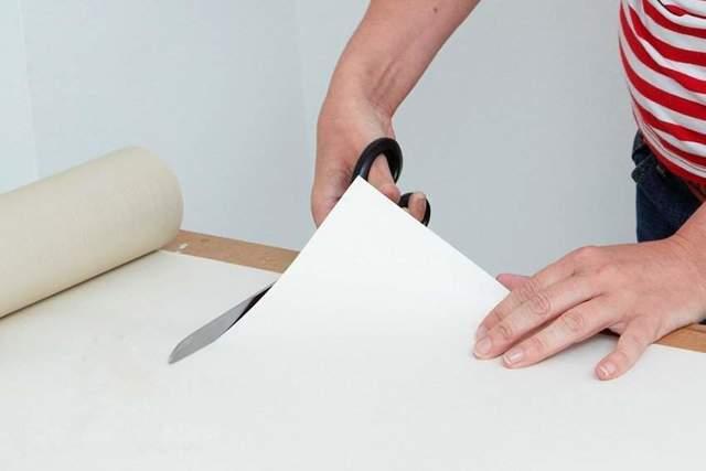 Как правильно клеить виниловые обои своими руками