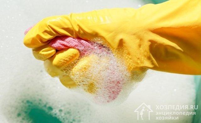 Чем отмыть пластиковый подоконник от пятен и загрязнений?