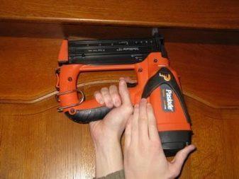 Гвоздезабивной пистолет (пневмомолоток): как выбрать, применять?